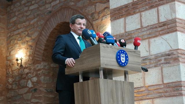 Eski Başbakan Davutoğlu: