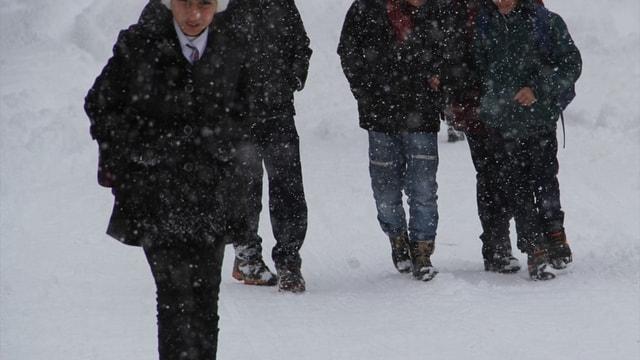 Kar yağışı nedeniyle 441 yerleşim biriminin yolu kapandı