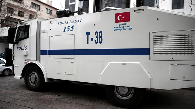 Şehit polislerin isimleri zırhlı araçlarda yaşatılıyor