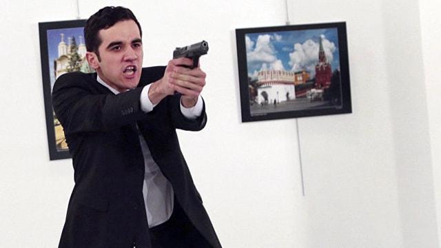 Rus Büyükelçi Karlovu öldüren polis memurunun cenazesi alınmadı