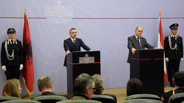 Avusturya İçişleri Bakanı Sobotka Arnavutluk'ta: