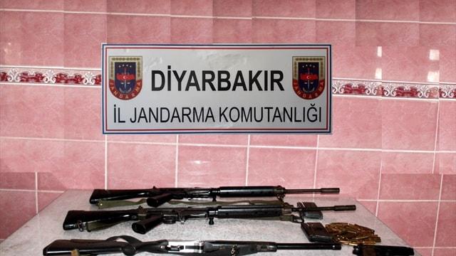 Diyarbakır'da silah kaçakçılığı operasyonu