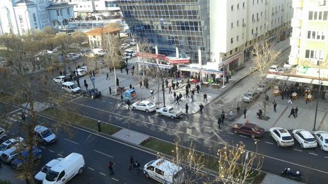 Gaziantep Emniyet Müdürlüğü önünde çatışma!