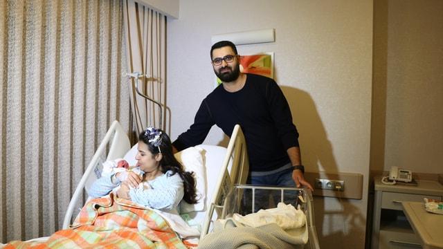 İzmir'de yılın ilk bebeği Ozan Ali oldu