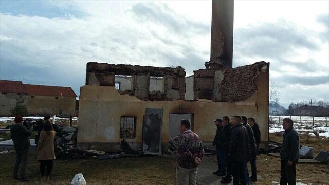 Kosova'daki tarihi camide yangın çıktı