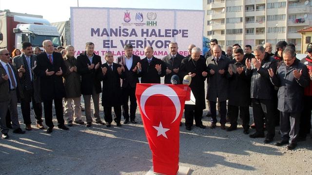 Manisa'dan Suriyelilere yardım