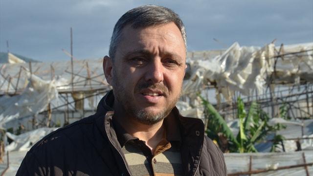Mersin'de hortum seraları yıktı