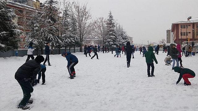 Meteorolojiden İstanbul için kar uyarısı! Yarın okullar tatil mi?
