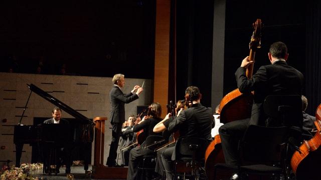 Ünlü orkestra şefi Pirolli Bursa'da