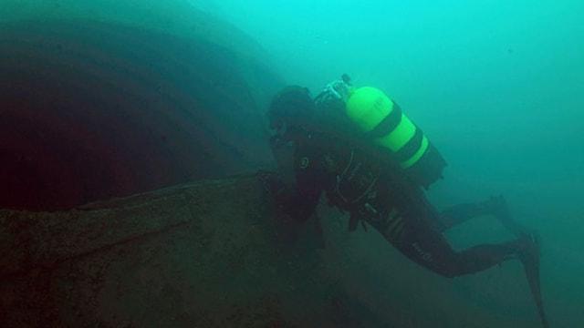 Van Gölünde batık Rus yük gemisi bulundu