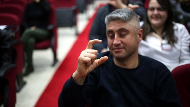112 personeline işaret dili eğitimi