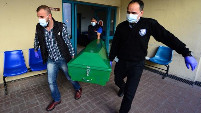 Antalya'da bir kişinin eşi ve 2 çocuğunu öldürüp intihar etmesi