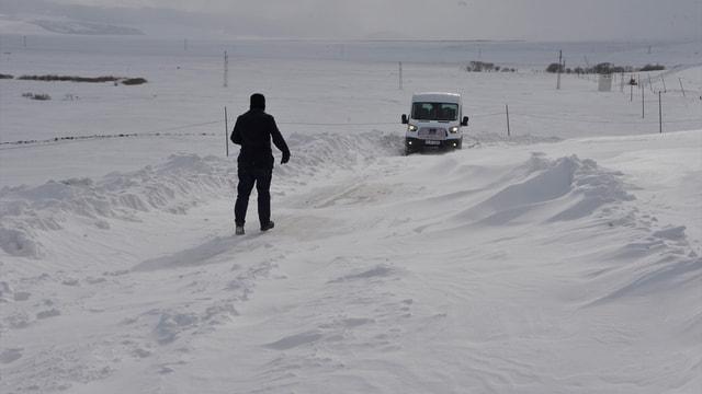 Ardahan'da ulaşıma kar engeli