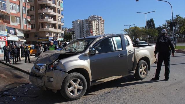 Adana'da engelli öğrencileri taşıyan servis kaza yaptı: 9 yaralı
