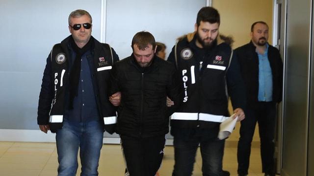 FETÖcüleri Yunanistana kaçıran şebekeye operasyon
