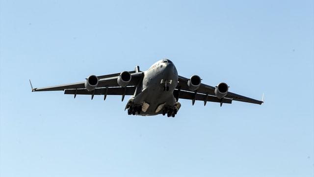 Adana İncirlik Hava Üssü'nde hava trafiği yaşandı