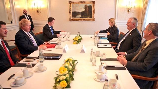 İngiltere Dışişleri Bakanı ABD'li mevkidaşıyla görüştü