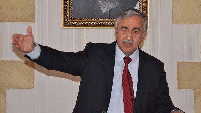 Kıbrıs'ta Rum lider müzakere masasını terk etti