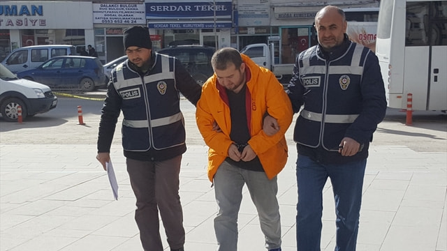 Kırşehir'de 34 suçtan 7 yıldır aranan zanlı yakalandı