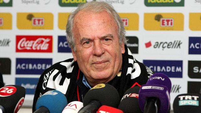 Mustafa Denizli resmen Eskişehirspor'da