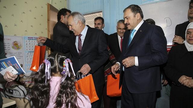 Orman ve Su işleri Bakanı Eroğlu, Hatay'da