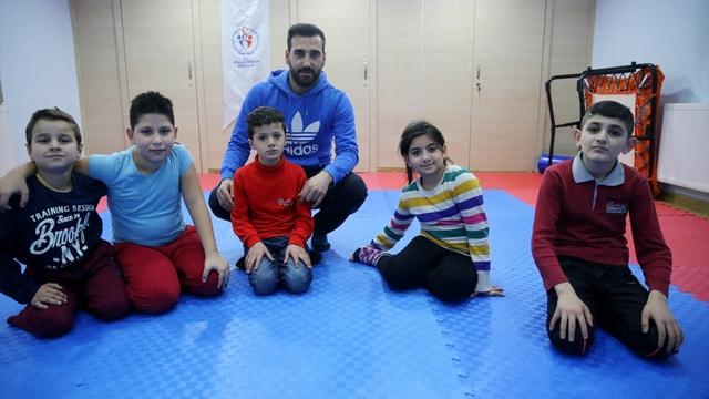 Özel Bakış projesi işitime engelli çocukları sporla buluşturuyor