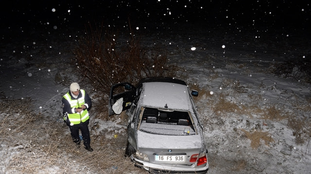Tokat'ta otomobil ile kamyonet çarpıştı: 4 yaralı