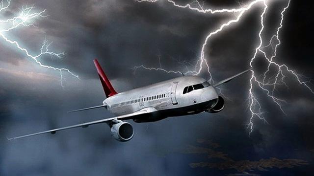 Atatürkte uçaklar pisti pas geçiyor!