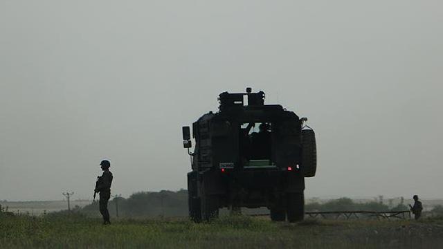Askeri araca hain saldırı