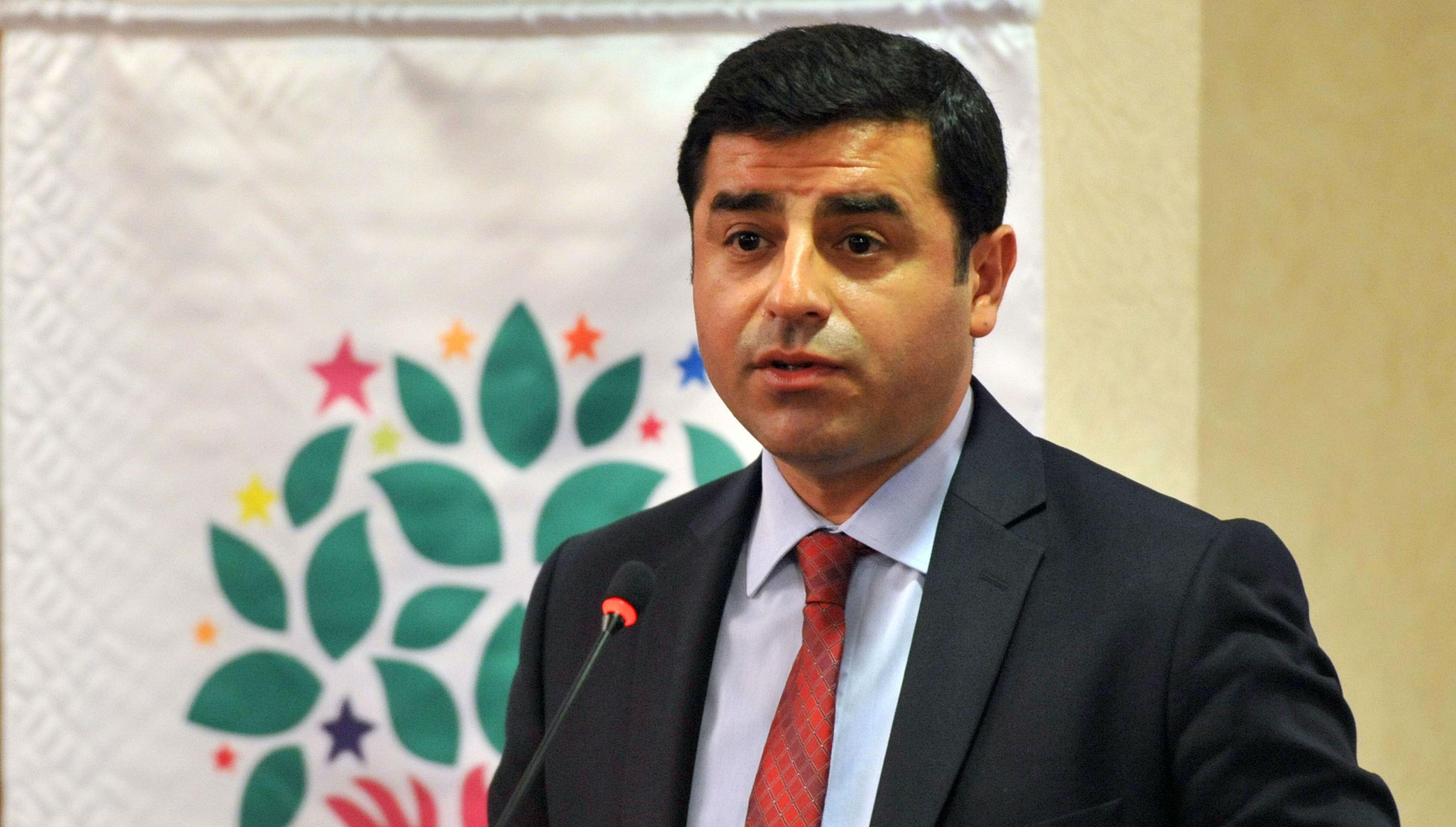 Selahattin Demirtaş'a 5 ay hapis cezası verildi