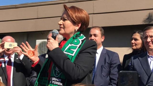 Meral Akşener'in toplantısında kavga!