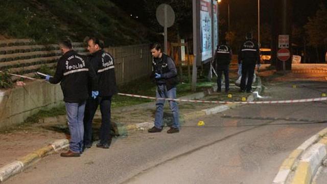 Dur ihtarına uymayan otomobile polis ateş açtı: 2 ölü, 2 yaralı