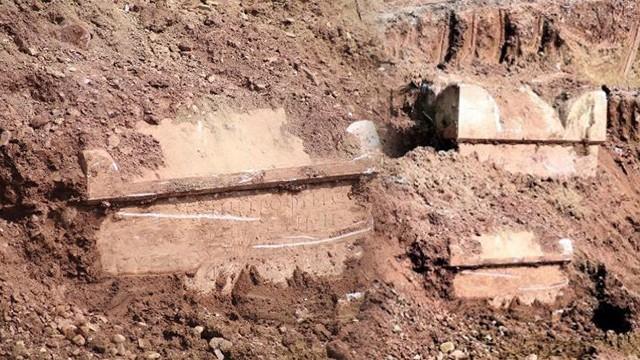 İzmitte inşaat kazısında Roma dönemine ait mezarlar çıktı