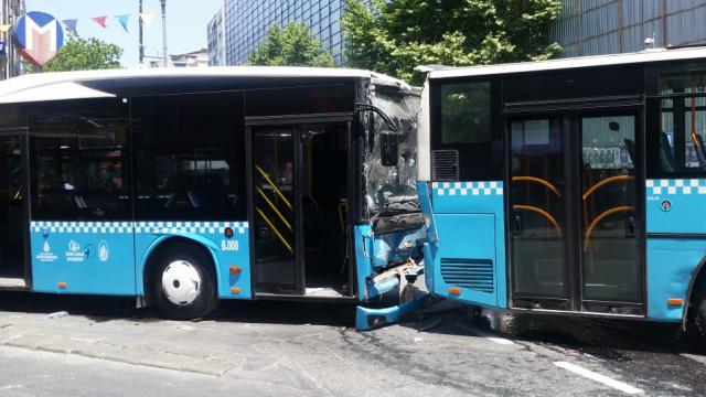 Şişlide otobüsler birbirine girdi! 6 yaralı