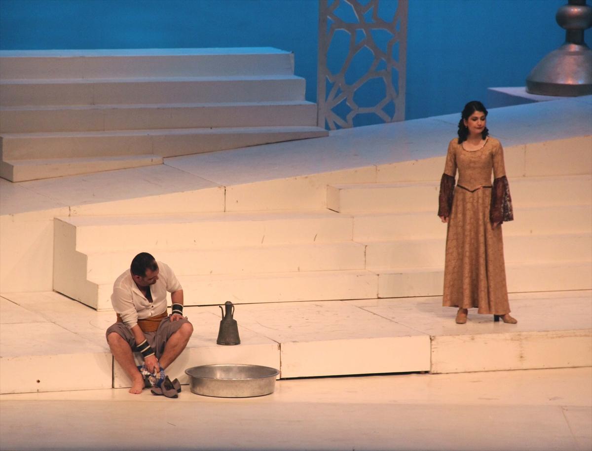 Antalya'da Saraydan Kız Kaçırma operası sahnelendi